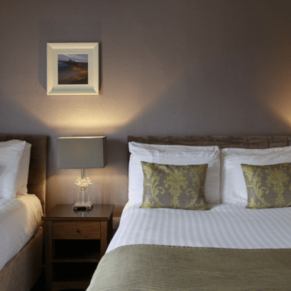 Angels Hotel in Uddingston - Dinner, Bed & Breakfast for £69